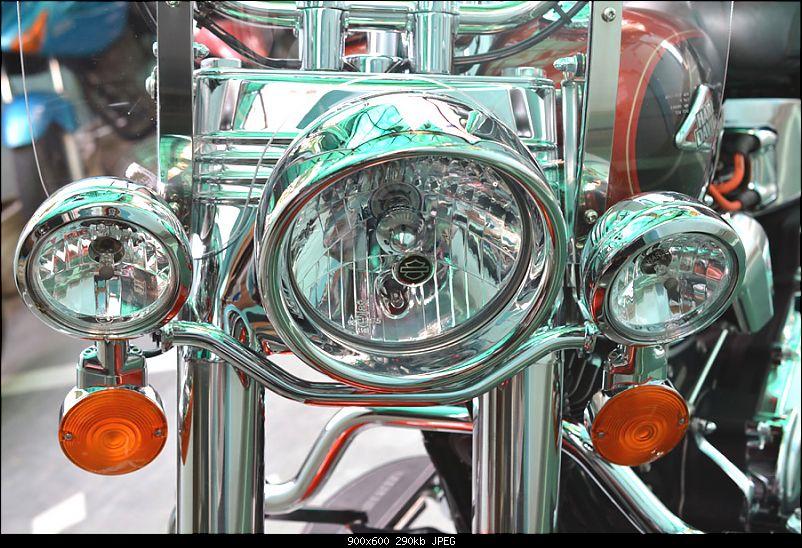 Harley-Davidson Heritage Softail Classic FLSTC: The Comprehensive Review-8-front-headlight-fog-lamp-indicators.jpg