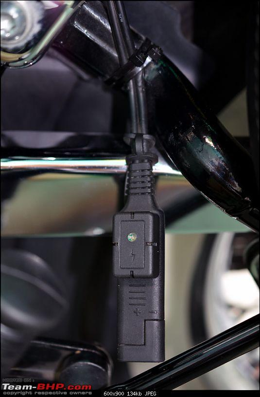 Harley-Davidson Heritage Softail Classic FLSTC: The Comprehensive Review-59-accessory-battery-charging-attachment.jpg