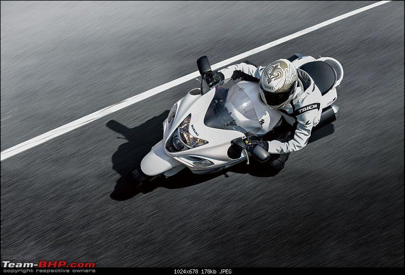 Suzuki starts local assembly of Hayabusa. Price - Rs. 13.57 lakh-gsx1300ral6_action1.jpg