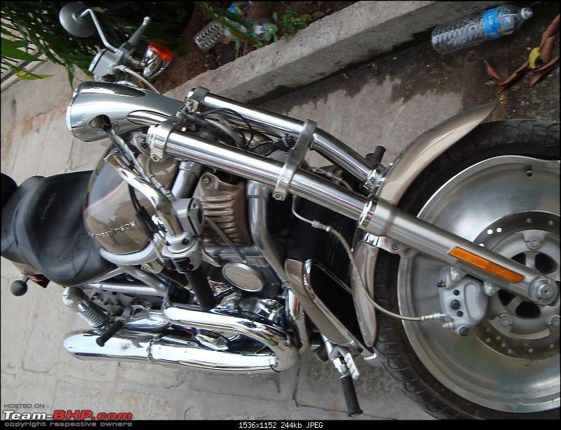 When HD V-ROD hits Hero Honda Splendor-dsc02027.jpg