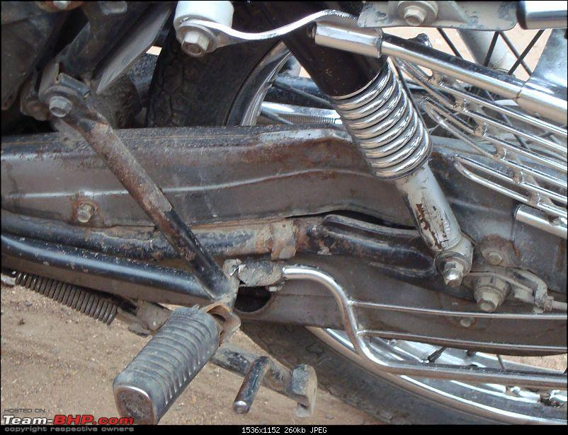 When HD V-ROD hits Hero Honda Splendor-dsc02036.jpg