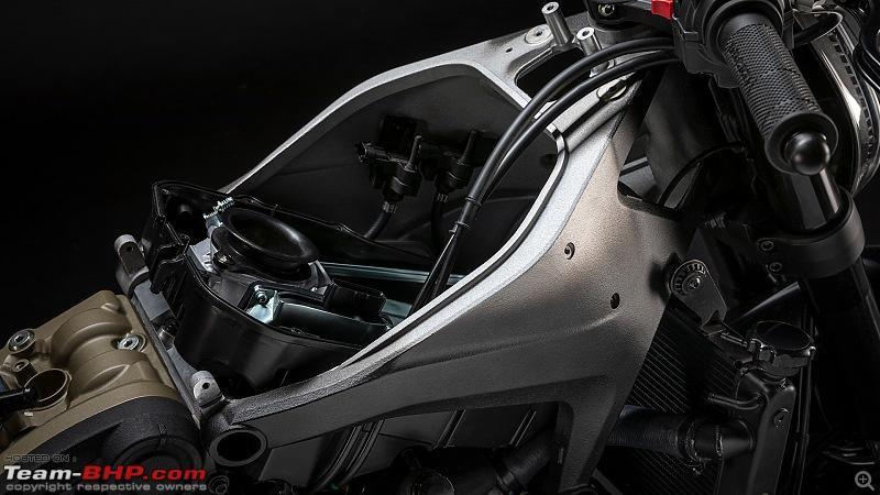 2021 Ducati Monster unveiled-monster93731dettagligallery1920x1080.jpg