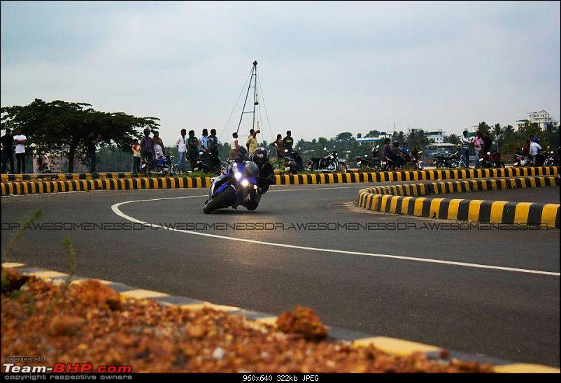 Superbikes spotted in India-r1-cornering-amith.jpg