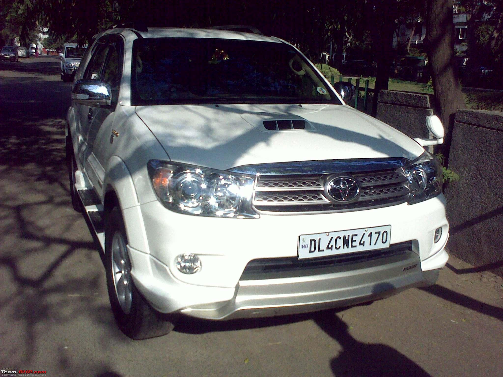 Toyota fortuner vs upcoming face lifted toyota fortuner 24122009778 jpg
