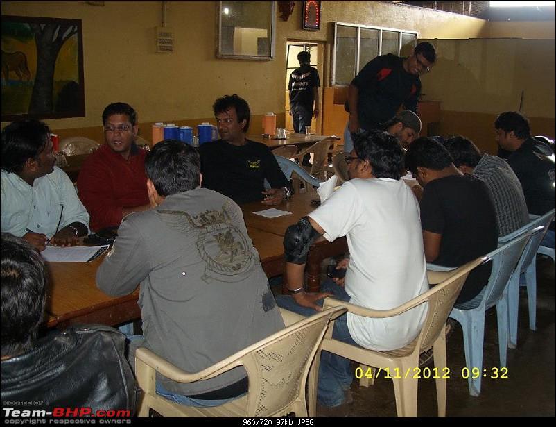 Hyderabad Meet Thread 2012 Meets: DINNER MEET_NOV 24TH, 2012-declarations-being-signed.jpg