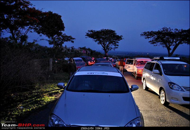 Trip Report : Bangalore Nandi Hills Drive 15-May-2011-waiting-1.jpg