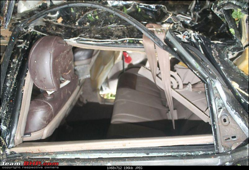 Mahindra XUV500 W8: Severe topple, but Side Airbags didn't deploy!-img20150801wa0006.jpg