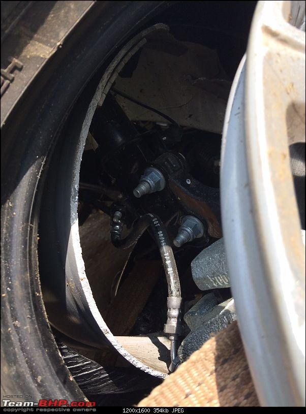 Ford EcoSport - Axle breaks on highway. EDIT: Due to accident (details on page 11)-img20151101wa0035.jpg
