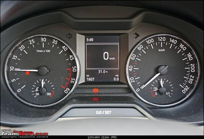 Red markings at 30, 50 & 130 kmph in VAG speedometers - What are they?-skodaoctavia35.jpg