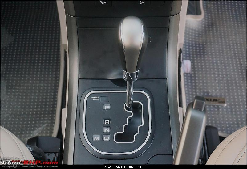 Unconventional Automatic Gear-Shifters seen in cars-mahindraxuv500auto10.jpg