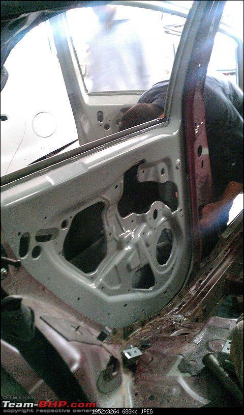 Fiat Punto Accident: B-pillar damage-1_imag0132.jpg