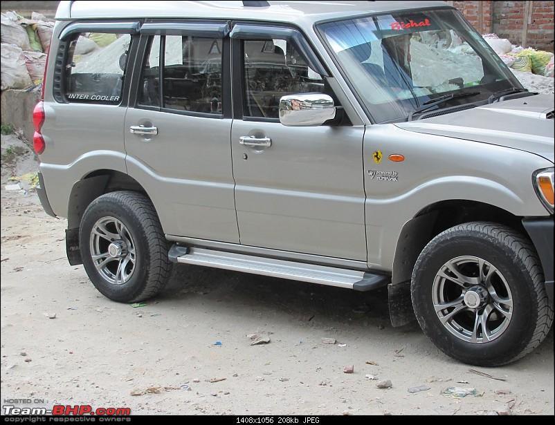 Bringing home the Mahindra Scorpio LX. EDIT : Scorpio finds a new home!-img_0061.jpg