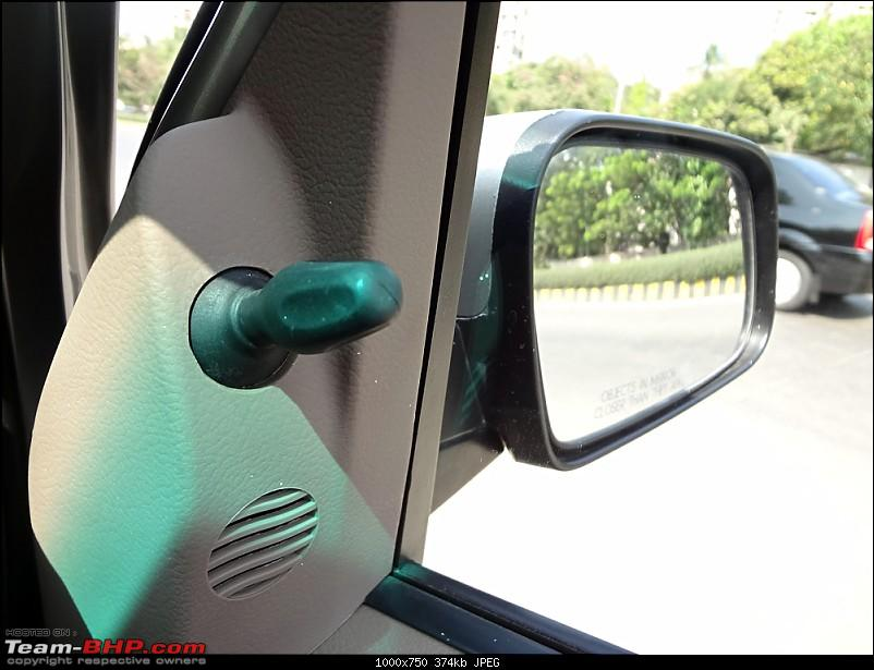 Mahindra Xylo - The Time of our Life @ 17 months / 15000 kms-xylomirror.jpg