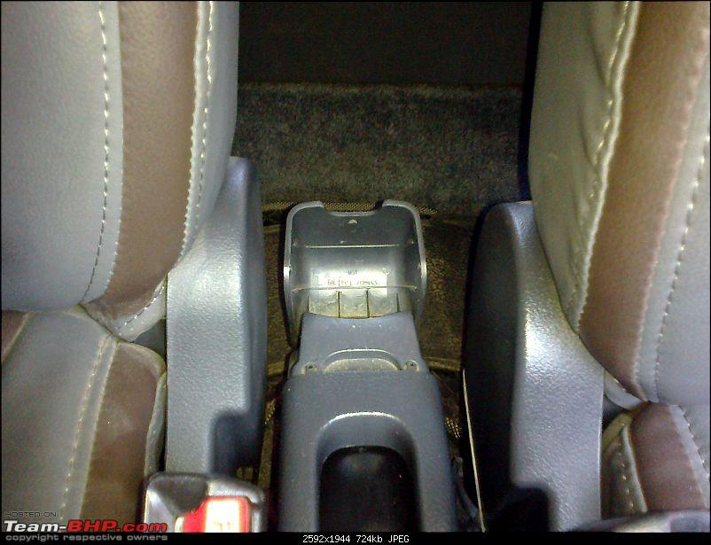 A Maruti WagonR Story - The blue eyed boy-rear-cupholder.jpg