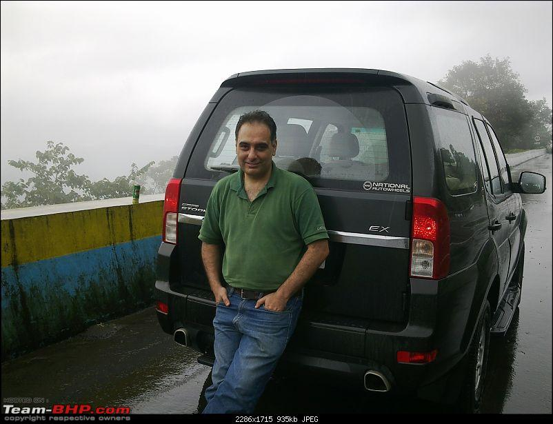 Beastie winks at Snow White & Red Riding Hood. My Tata Safari Storme EX-17082013294-copy.jpg