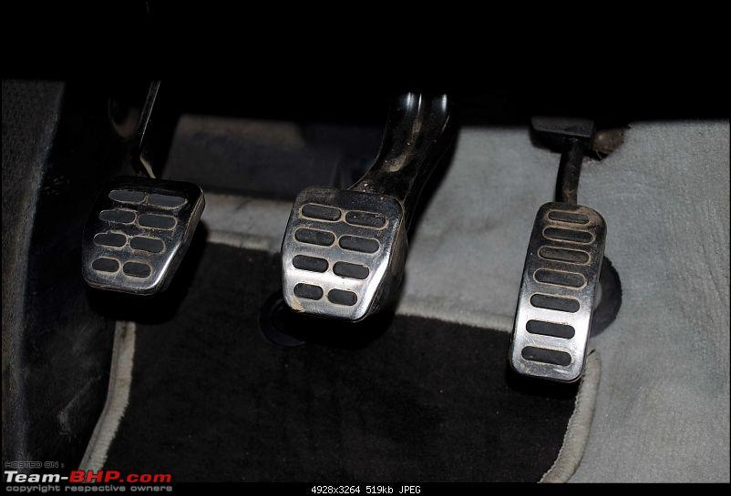 Another Skoda Octavia vRS evolving to be a 'Black Brute'-pedals.jpg