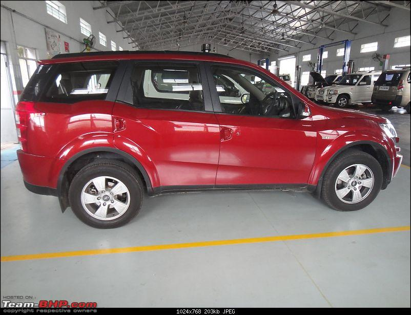 Sita, Red Mahindra XUV5OO W8 joins our Family. EDIT: 1 Year & 35,000 kms up-pose13.jpg