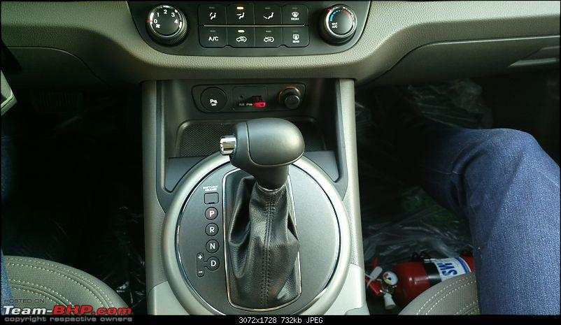It's orange and it's sexy – My 2014 Kia Sportage-gear-lever.jpg