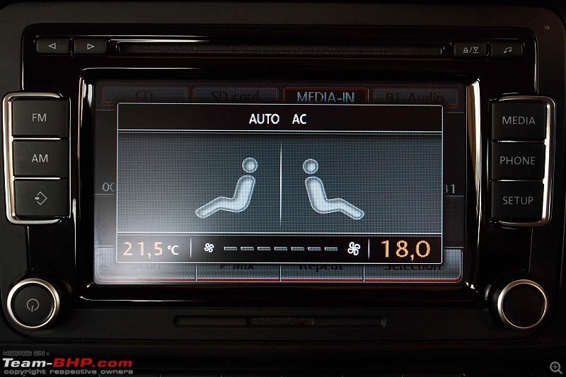 Platinum Grey VW Jetta 2.0 TDI Highline DSG comes home EDIT: Sold!-hu-ac-display.jpg