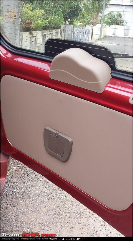 Gaining a new Vantage Point : My Mahindra Xylo H8 comes home-rear-washer-reservoir.jpg
