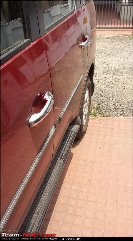 Gaining a new Vantage Point : My Mahindra Xylo H8 comes home-chrome-handle.jpg