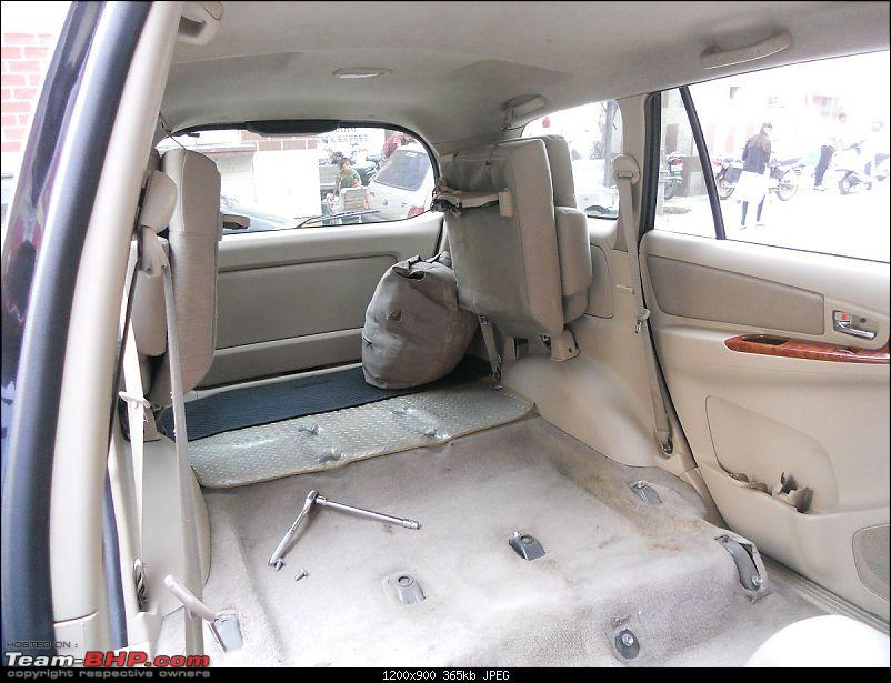 Toyota Innova: My Pre-worshipped Black Workhorse-middle-row-seats-removed-completely.jpg