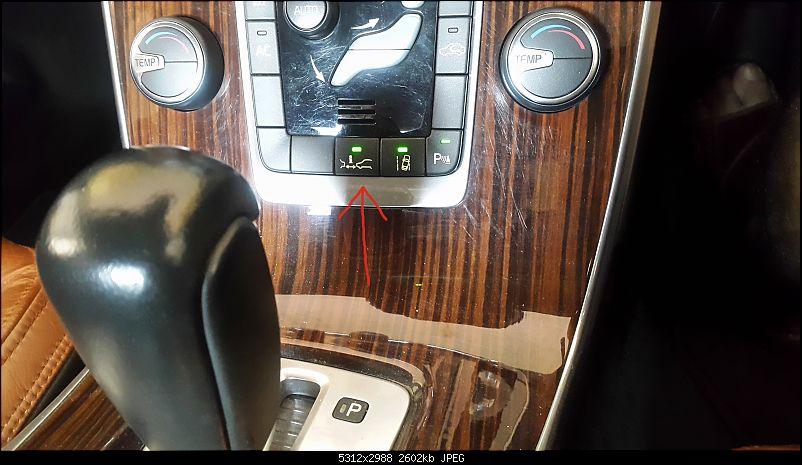 Volvo XC60, D5 Summum AWD. EDIT: 20,000 km update-city-safety-button.jpg
