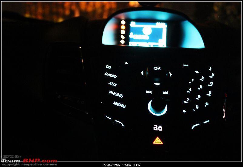 My American Love - Diamond White Ford Fiesta TDCi-front-console.jpg