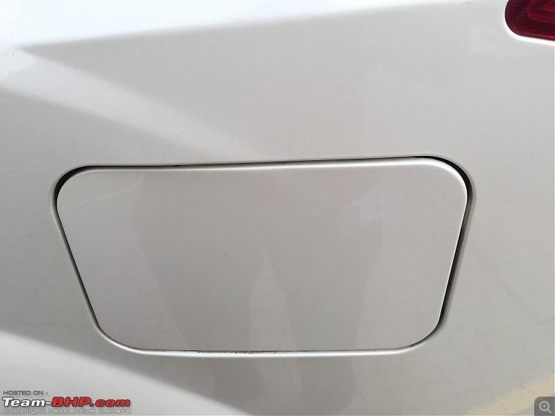 The New Age Mahindra XUV5OO W8 FWD - My Battle Cat's Roar-fuel-lid.jpg