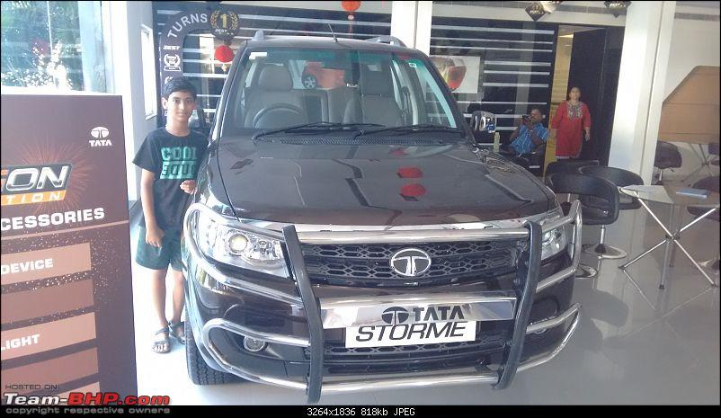 Tale of a Tata Safari Storme EX. EDIT: 20,000 km update-showroom-visit.jpg