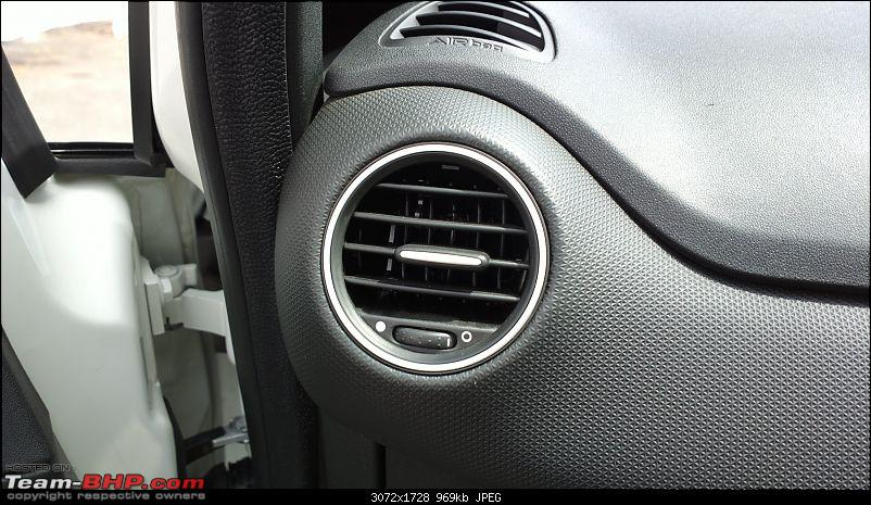 The White Scorpion - Fiat Abarth Punto-circular-air-vents.jpg