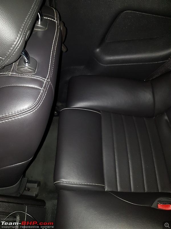 My pre-worshipped Ford Mustang 3.7L V6-rear-legroom.jpg