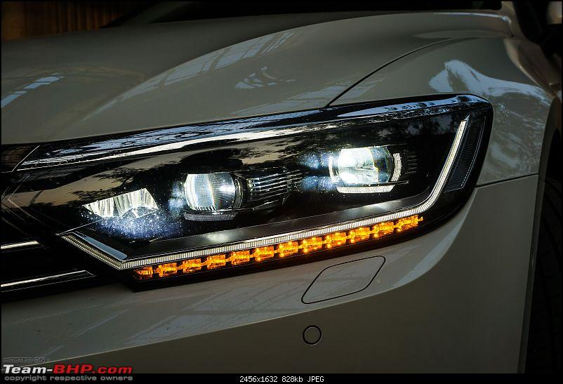 Driven: Volkswagen Passat-headlight-cornerlight.jpg