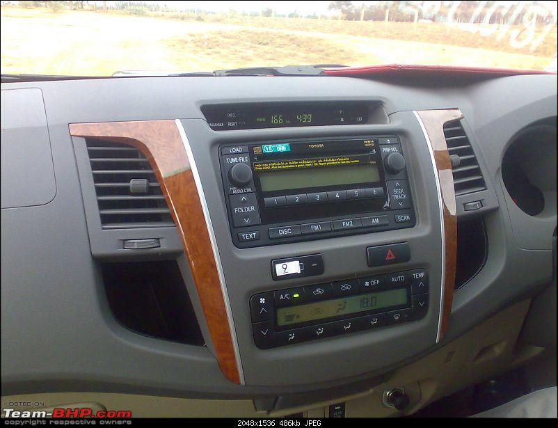First Drive on the Fortuner EDIT : Launched @ 18.45 lakhs!-dsash.jpg