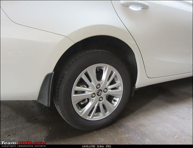 My 2018 Pearl White Toyota Yaris V CVT-rear_disc.jpg