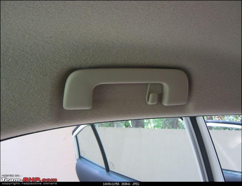 My 2018 Pearl White Toyota Yaris V CVT-grab_handle.jpg