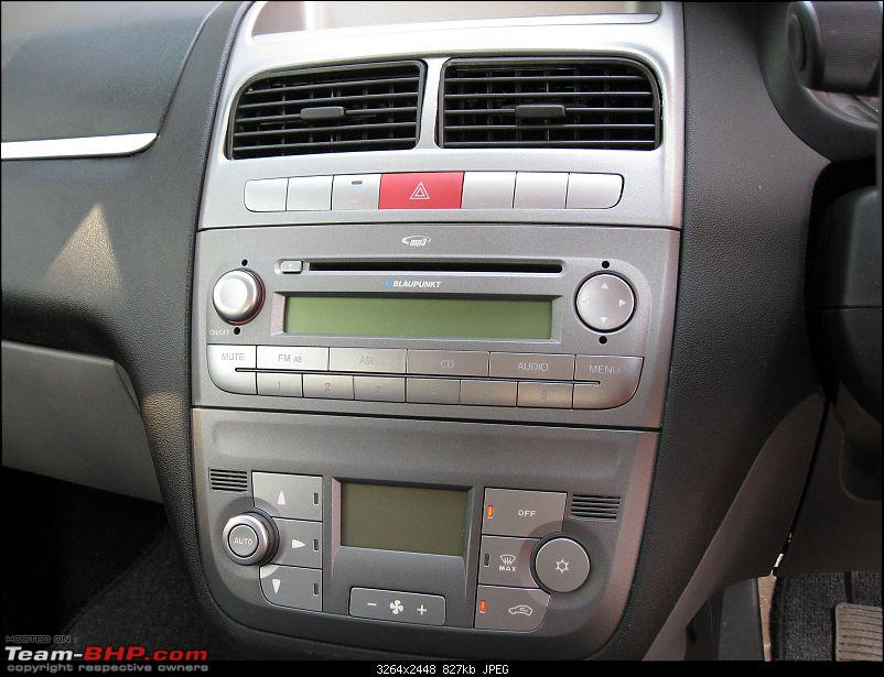 Got the delivery of my Punto EDIT: 30,000 kms update-music.jpg