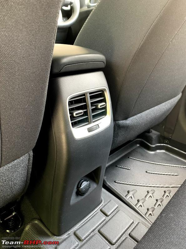 Name:  rear ac vents with charger.jpg Views: 9999 Size:  180.2 KB