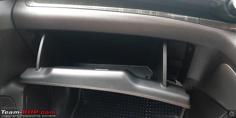 Heart over head! My pre-owned Honda CR-V 2.4L AWD-6.-glovebox-front.jpg