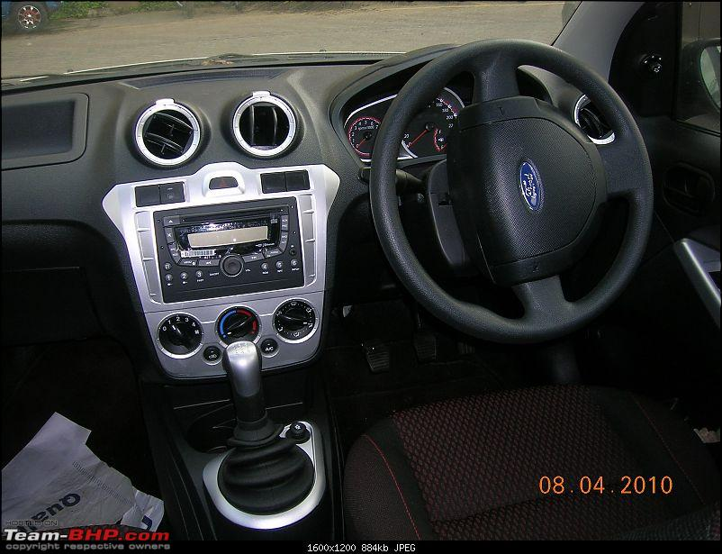 Ford Figo ZXI Diesel – Initial ownership report-figo-gearand-dash.jpg