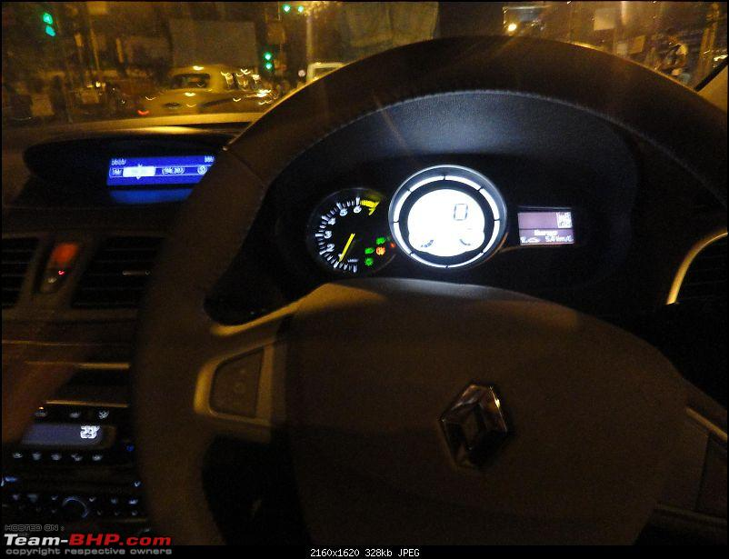 Driving under inFLUENCE - The stunning new Renault Fluence-insturment-panel-night.jpg