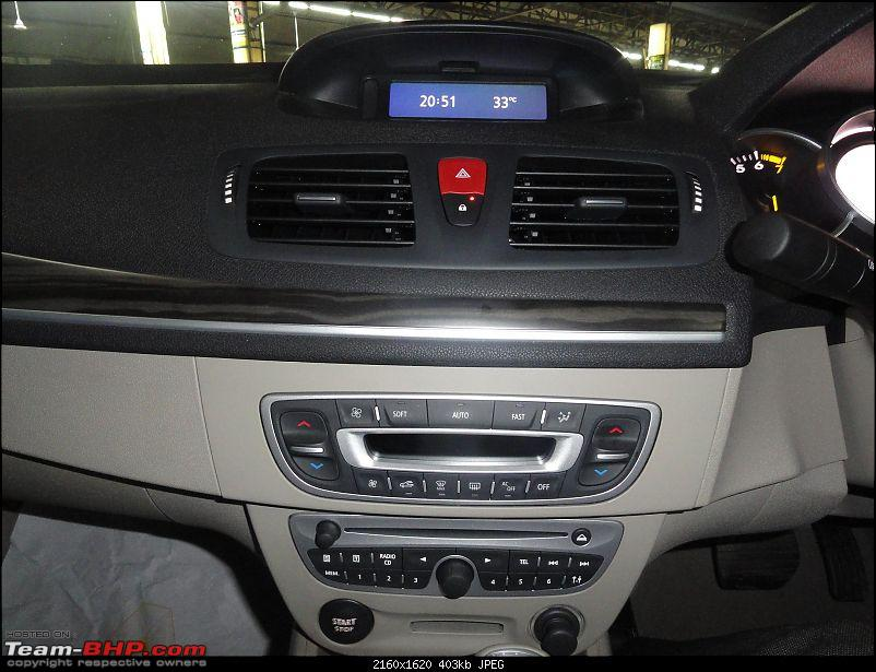 Driving under inFLUENCE - The stunning new Renault Fluence-centre-console.jpg