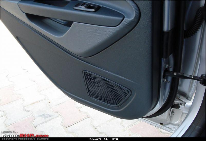 Ride the wind or party hard: My VW Vento and New Ford Fiesta take each other on!-19-nfs-rear-speakers.jpg