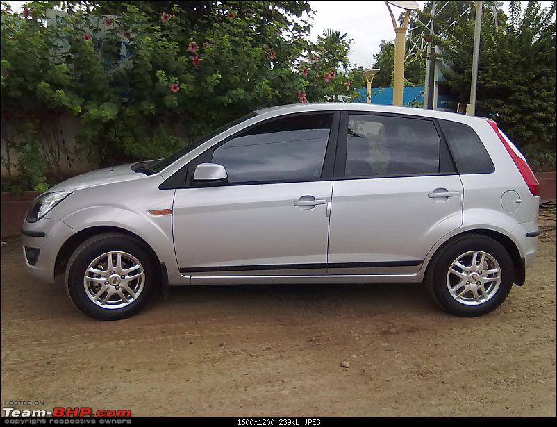Review: 1st-gen Ford Figo (2010)-18092011229.jpg