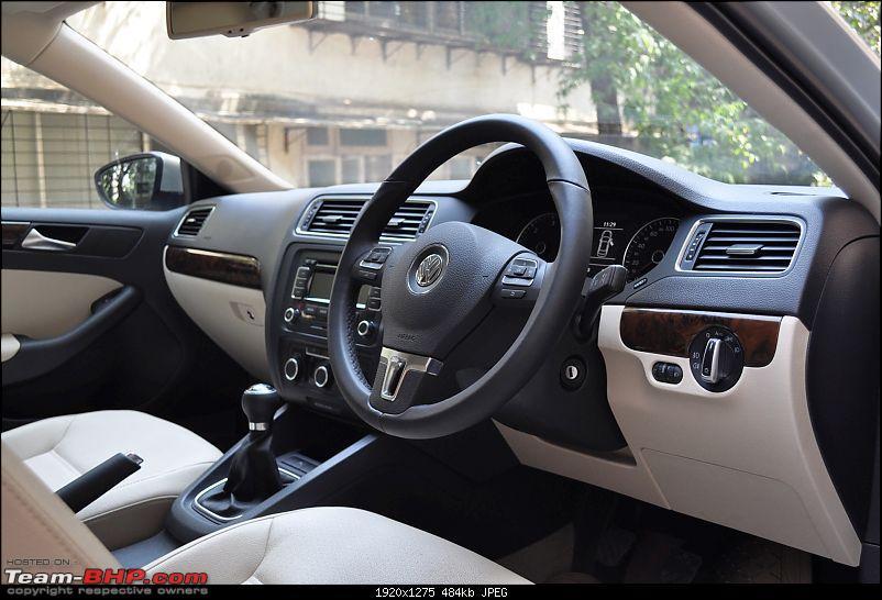 Meine M�dchen- The 2011 New Jetta - Comfortline MT-dash-side.jpg