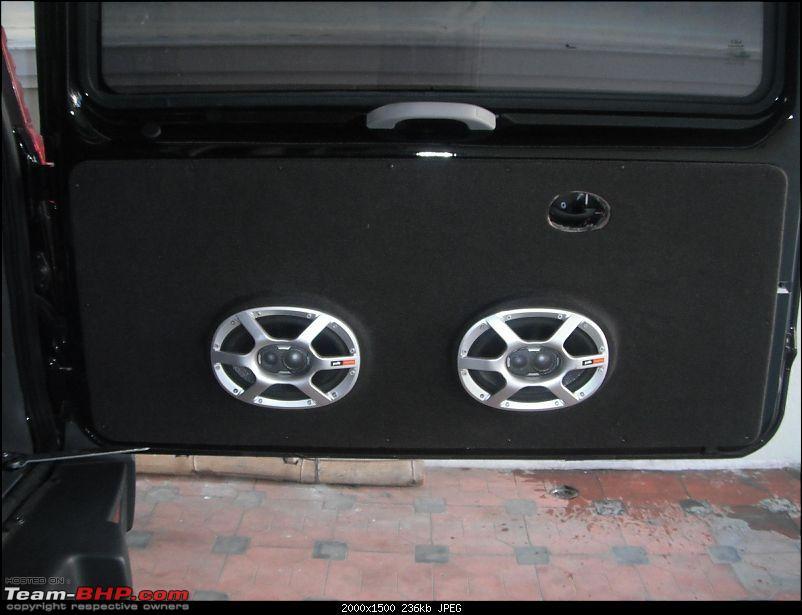 Team-BHP's first Mahindra Scorpio LX 4WD-rearspeaker.jpg