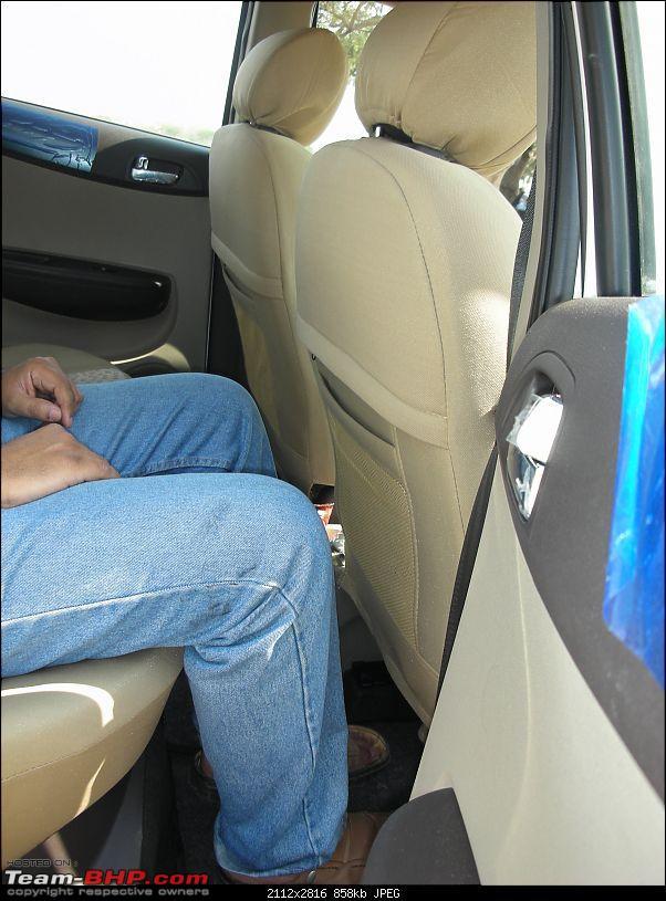 Picasso - My new Hyundai i20 Asta (Petrol) in Coral White-rear-leg-space.jpg