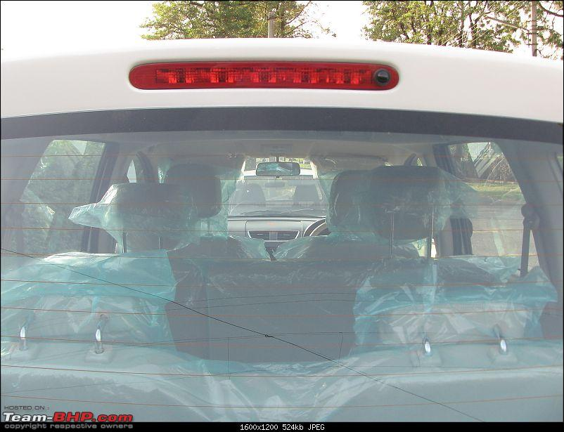 I am in LUV literally - My Maruti Ertiga ZXI-rear-break-light.jpg
