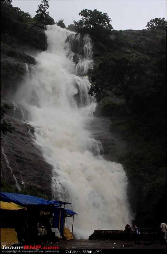 Getting drenched in Munnar (Bangalore to Munnar and Kannur)-img_1326_ed.jpg