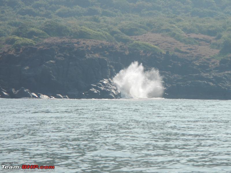 Name:  waves crashing.JPG Views: 3921 Size:  351.0 KB